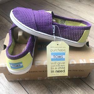 BNIB Purple Fabric Toms Flats